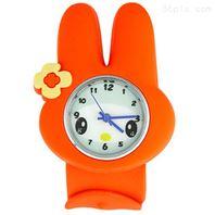 鐘表圣旦塑膠注塑、噴油絲印