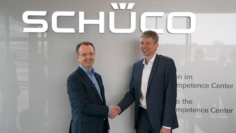 KUKA 和 Schuco:自动化的战略合作伙伴
