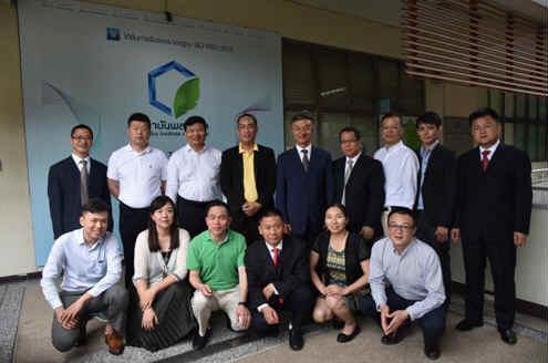 中国塑协考察团与泰国塑料学会进行交流