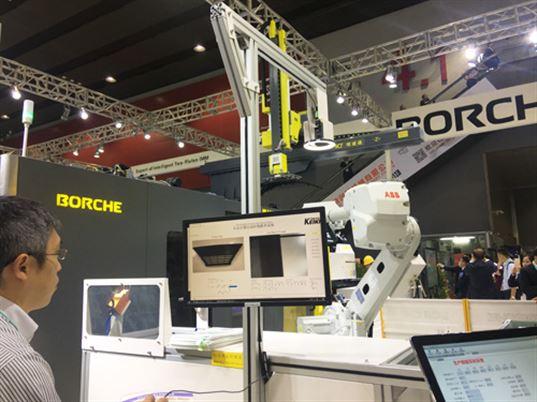 """博创新一代大型二板智能注塑机BU900-II助力""""智慧工厂""""建设"""